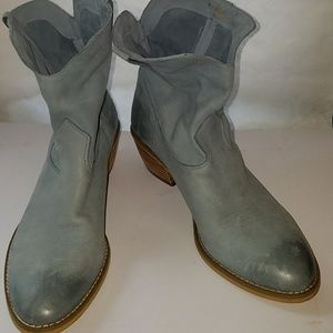 Vintage Crown baby blue Boots 10M